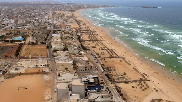 Le front de mer au large de Dakar, quartier de l'aéroport