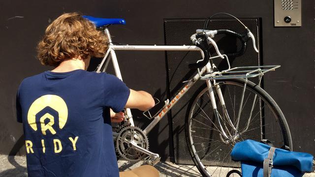 La start-up s'est spécialisée dans la réparation de vélo à domicile.