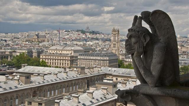 Les promesses de dons faites pour la restauration de la cathédrale Notre-Dame de Paris ont atteint mercredi 17 avril quelque 900 millions d'euros.