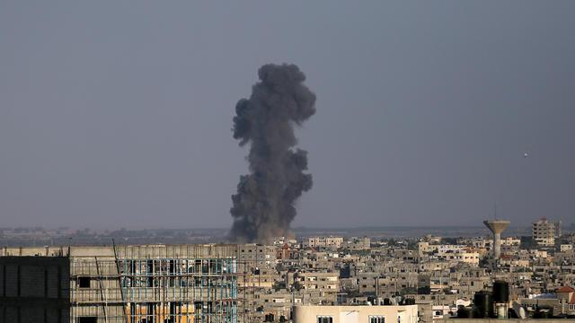 Palestiniens et Israéliens ont repris leurs tirs ce mardi.