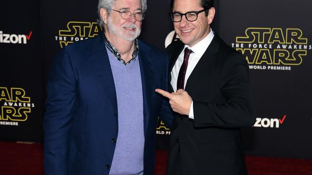 Le créateur de la saga, George Lucas, avec le réalisateur du nouvel épisode, J.J. Abrams.