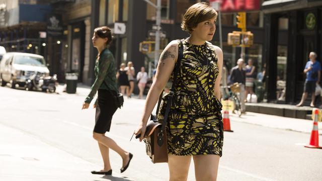 Lena Dunham revient dans une quatrième saison avec quelques soucis de couple
