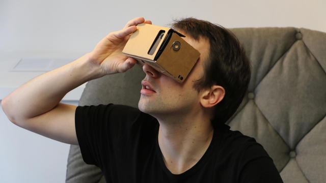 Des appareils à moindre coût permettent de découvrir la réalité virtuelle.