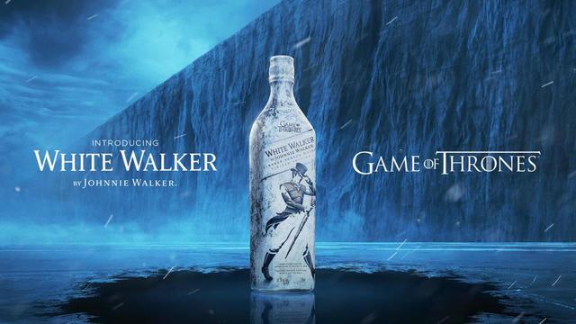 Le nouveau whisky est baptisé «White Walker», en référence directe aux créatures de glace appelées «marcheurs blancs» dans la série.