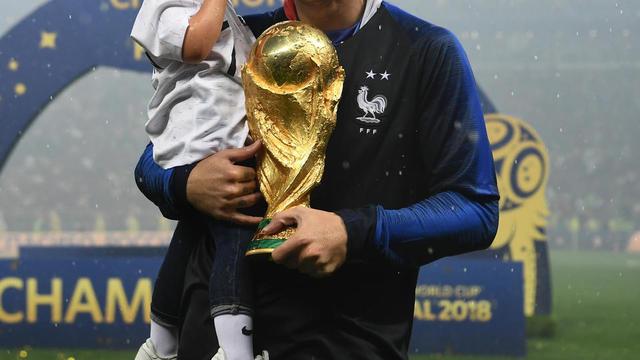 bc9788e1a778f6 Où acheter le maillot à deux étoiles de l'équipe de France ? | www ...