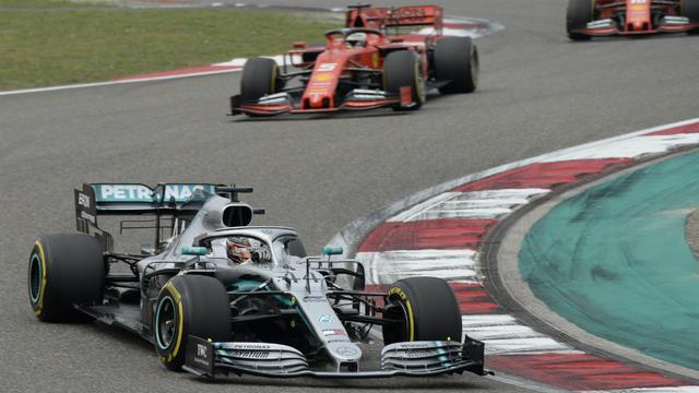 Deuxième sur la grille, Lewis Hamilton a pris le meilleur au départ sur son équipier Valtteri Bottas.