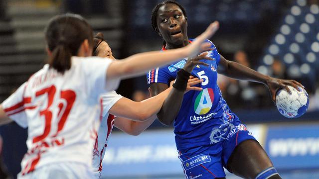 Face à la Suède, les Bleues ont subi leur première défaite à l'Euro de handball.