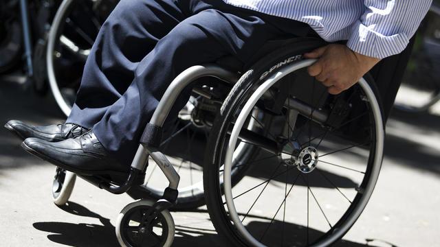 Le maire s'est rendu lui-même en fauteuil roulant à la direction des services sociaux.