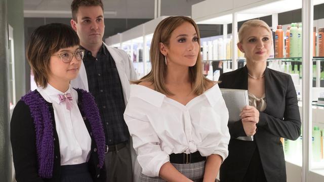 a84c3edaa1f J.Lo (au centre) joue le rôle d une quadra engagée dans un grand groupe de  cosmétiques.  © Metropolitan FilmExport