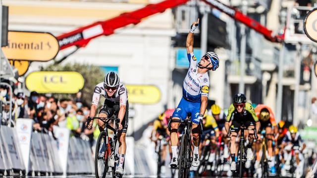Tour De France 2020 Julian Alaphilippe Remporte La 2e Etape Et S Empare Du Maillot Jaune Cnews