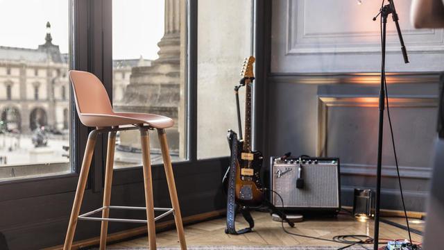 Le Café Richelieu, situé dans l'Aile Richelieu au 1 er étage, accueillera cinq concerts cet été.