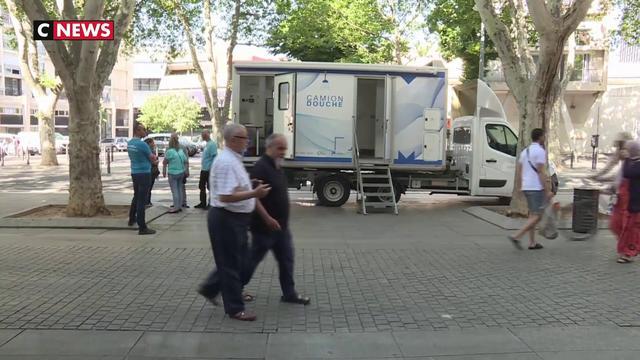 Marseille : un camion-douche à disposition des sans-abris