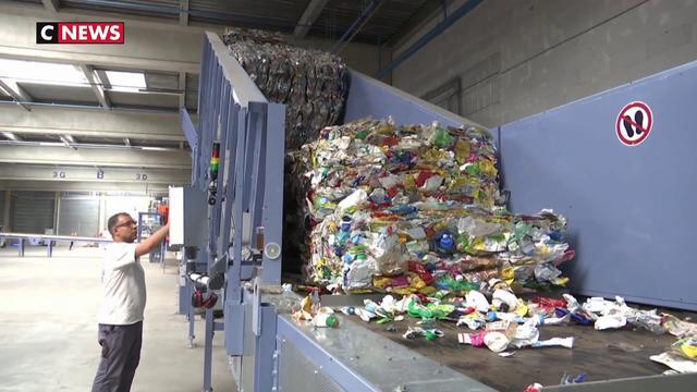 Environnement : comment recycler les plastiques opaques ?