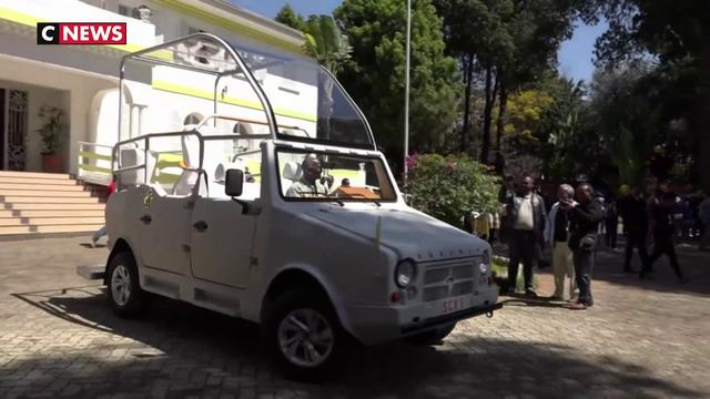 Pape : une «papamobile» made in Madagascar