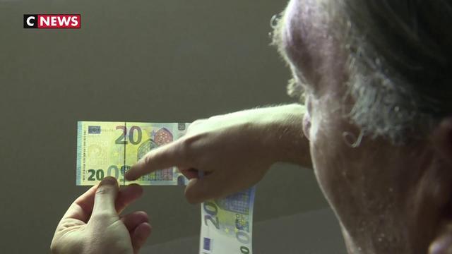 De faux billets utilisés au cinéma envahissent les commerces