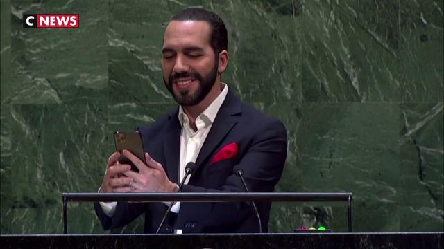 ONU: Le président du Salvador fait un selfie pendant son discours
