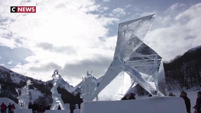 Concours de sculpture sur glace féerique à Valloire