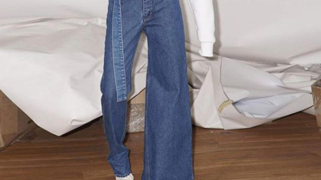 Le jean asymétrique, le compromis vraiment parfait ?