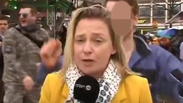 La RTBF, la télévision publique belge pour laquelle travaille Esmeralda Labye, a annoncé avoir déposé plainte auprès de la police de Cologne.