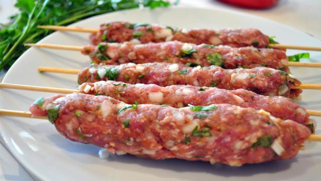 Un restaurant turc de Fréjus servait des keftas à base de viande pour chien
