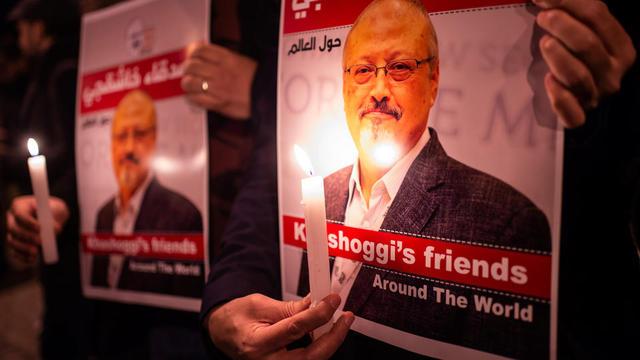 Des manifestations d'hommages au journaliste assassiné, le 25 octobre, à Istanbul, Turquie.