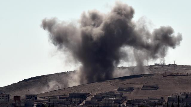 La coalition a mené plusieurs frappes aériennes autour de Kobané