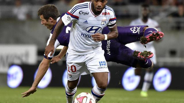 Grâce à ses performances sous le maillot de l'Olympique Lyonnais, Alexandre Lacazette pourrait être rappelé chez les Bleus par Didier Deschamps.