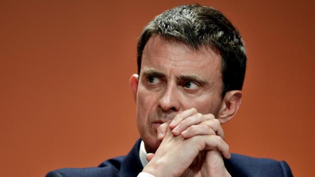La victoire de Manuel Valls, sous les huées, est contestée par son adversaire