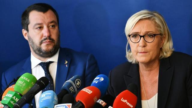 L'Italien Matteo Salvini (Ligue) et la Française Marine Le Pen (Rassemblement national) lors d'une conférence de presse commune à Rome (Italie), le 8 octobre dernier.