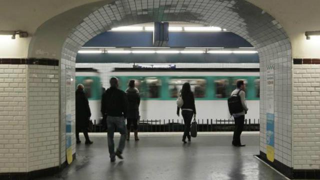 Les Franciliens passent 22 minutes en moyenne à attendre les transports par jour.
