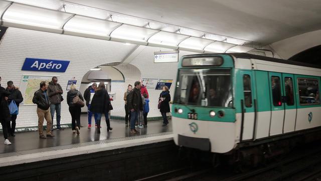 Le 1er avril 2016, une fausse plaque «Apéro» avait été installée à la station Opéra.