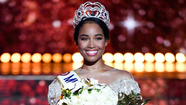 La nouvelle Miss France est en effet la cible, depuis sa victoire mi décembre, de propos haineux et racistes sur les réseaux sociaux.
