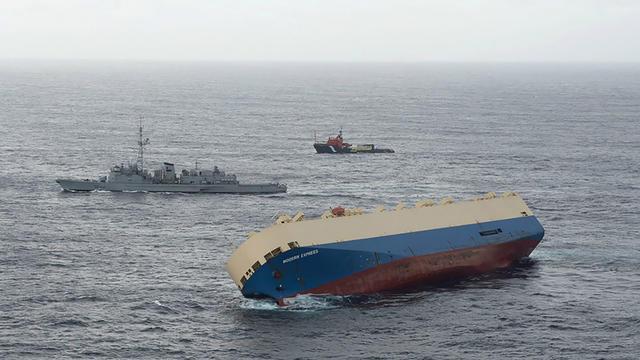 Le Modern Express se rapproche des côtes françaises depuis six jours.