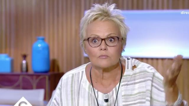 Surprise par les propos de Jean-Marie Bigard, Muriel Robin n'a pas caché son étonnement lors de son passage dans «C à vous», le lundi 9 septembre.
