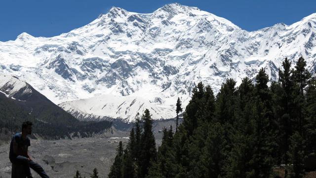 Vue du sommet du Nanga Pargat, surnommé «la montagne tueuse».