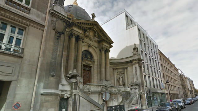 La chapelle Notre-Dame-de-Consolation a été bâtie en lieu et place de l'ancien Bazar de la Charité.