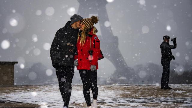 Les internautes n'ont pas manqué de capturer la neige recouvrant leur ville via leurs smartphones.