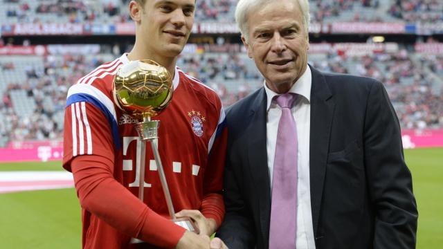 Manuel Neuer fait partie des trois finalistes pour le Ballon d'or 2014, avec Cristiano Ronaldo et Lionel Messi.