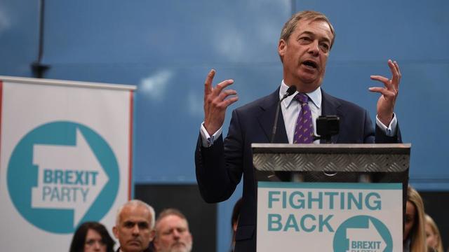 Nigel Farage, ex-dirigeant du parti eurosceptique Ukip, a lancé le 12 avril dernier son nouveau mouvement, baptisé le Parti du Brexit, qui participera aux élections européennes si le Royaume-Uni est contraint d'y prendre part.