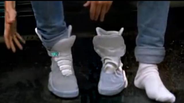 d61c4d5acd3 Voici les chaussures avec lacets automatiques portées par Marty McFly dans