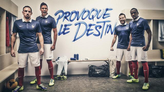 La tunique que porteront les Bleus en 2014.