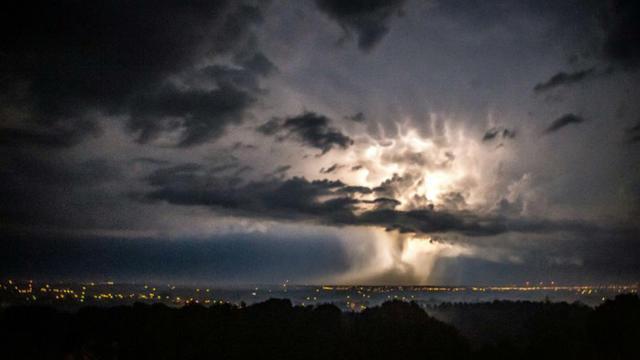 Un orage le 30 août 2015 à Boeschepe dans le nord de la France