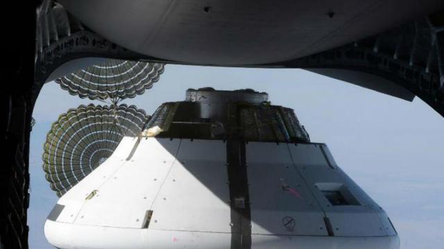 La capsule Orion au moment de son largage depuis le C-17[© NASA]