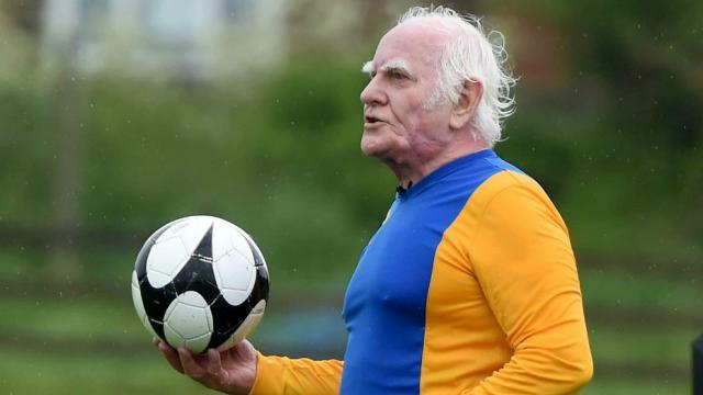 meilleur service dd6c5 dd557 A 81 ans, le «plus vieux joueur de foot du Royaume-Uni ...