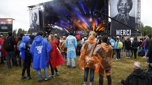 Des spectateurs au festival Solidays le 28 juin 2014 à Paris [Thomas Samson / AFP]