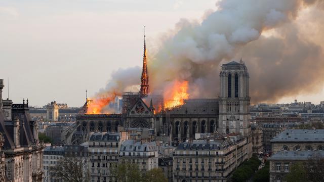 Pour les spécialistes du patrimoine, l'incendie de Notre-Dame s'explique par un manque cruel d'entretien.