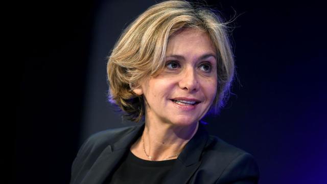 La présidente de la région Ile-de-France a annoncé avoir saisi la justice, victime présumée de malversations.