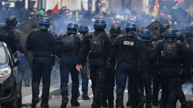 Qui sont les casseurs du 1er Mai — Black Blocs