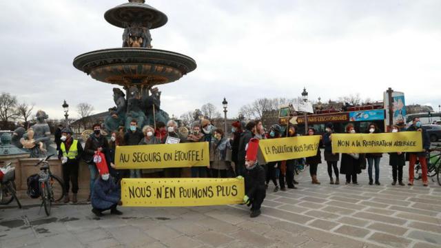 Entourée d'une dizaine d'experts, Anne Hidalgo a tenu une conférence ce jeudi à la mairie de Paris au sujet des effets néfastes de la pollution atmosphérique.