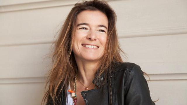"""Valérie Gans, auteure du roman """"Des fleurs et des épines"""" paru aux éditions JC Lattès."""